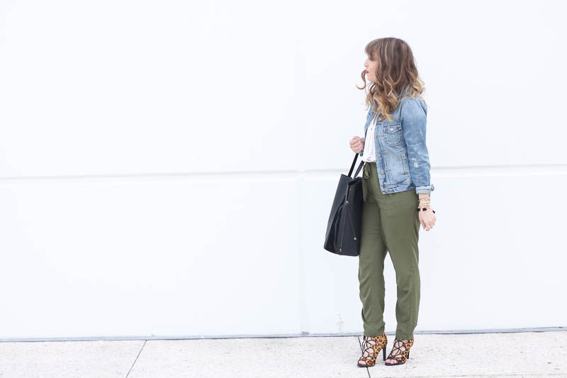 Old Navy Olive Joggers (11 of 11)