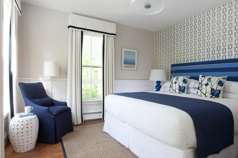 A queen room at 76 Main in Nantucket
