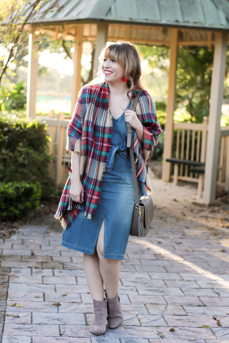 Miami fashion blogger wearing a jean midi dress and blanket scarf for fall