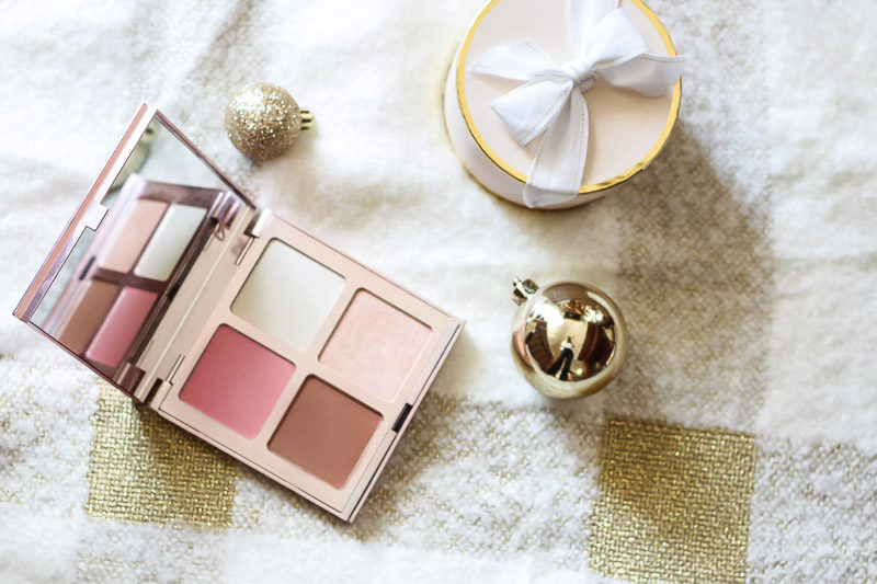 IT Cosmetics Je Ne Sais Quois palette makes a great holiday gift and a great contour palette