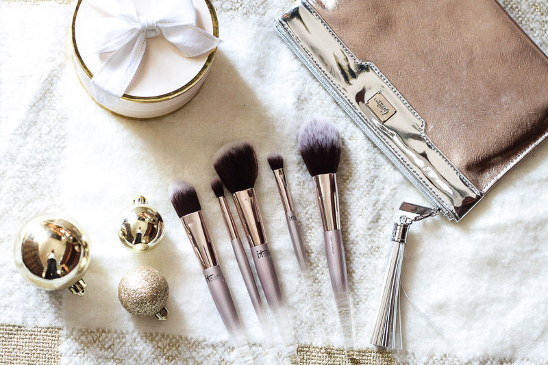 IT Cosmetics for ULTA City Chic brush set makes a great holiday gift