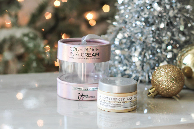IT Cosmetics Confidence in a Cream review by Miami beauty blogger Stephanie Pernas
