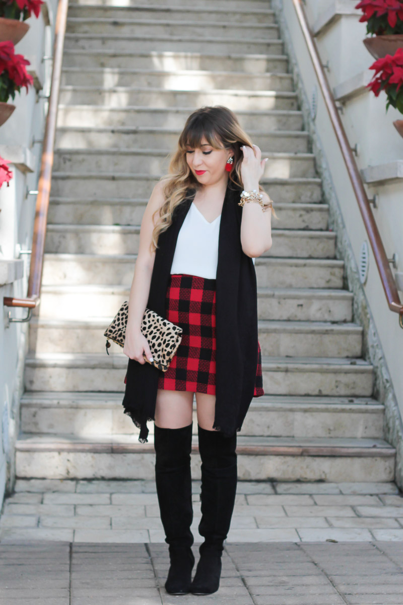 Plaid skirt holiday outfit-9