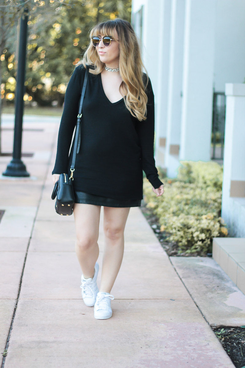 Miami fashion blogger Stephanie Pernas styles a cute leather skirt outfit idea