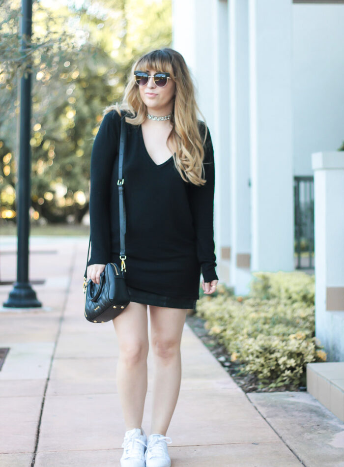 Casual leather miniskirt outfit