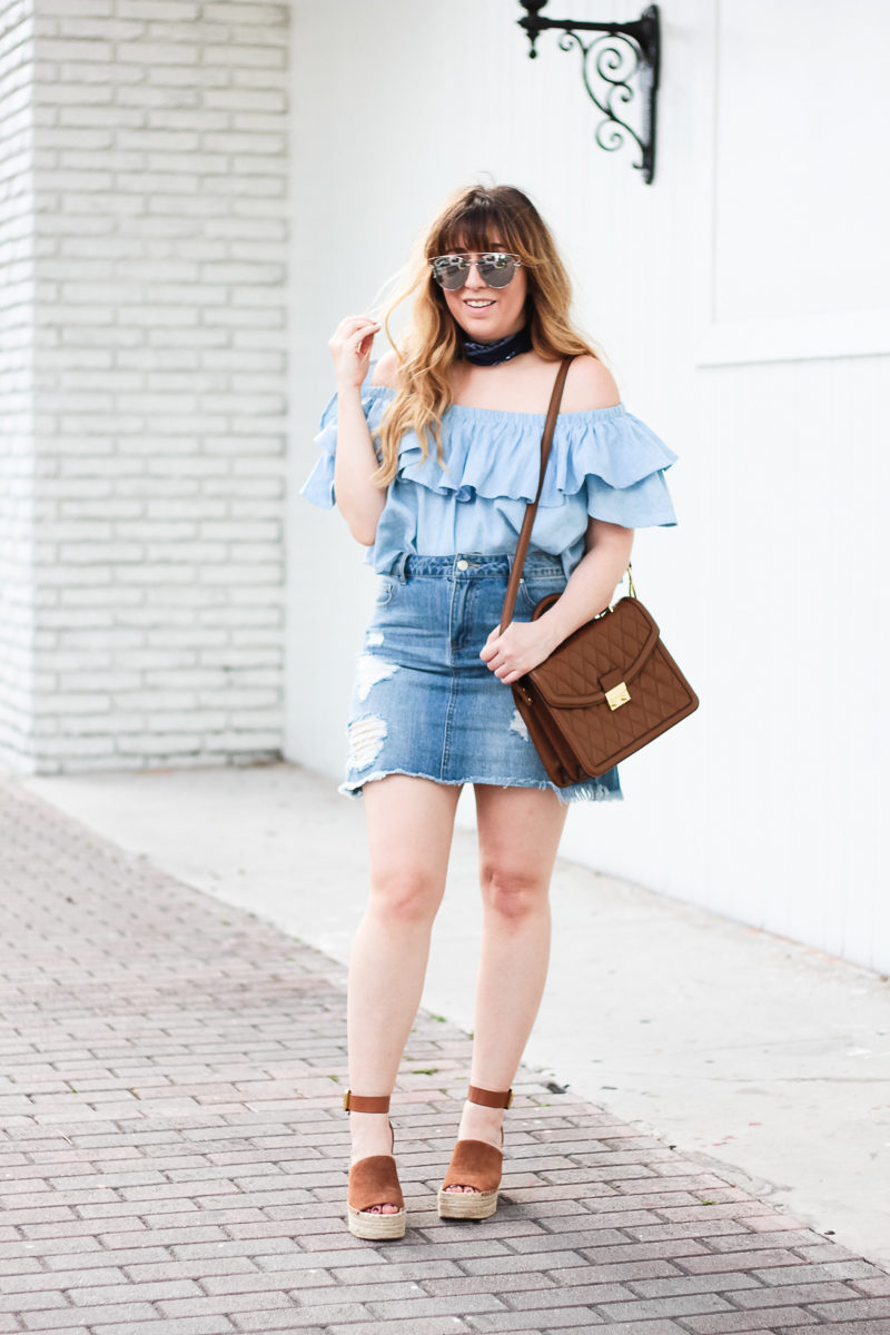 Miami fashion blogger Stephanie Pernas wearing a cute denim skirt outfit idea