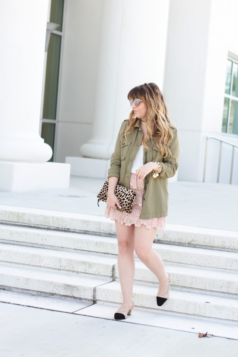 Miami fashion blogger Stephanie Pernas wearing a feminine utility jacket outfit idea