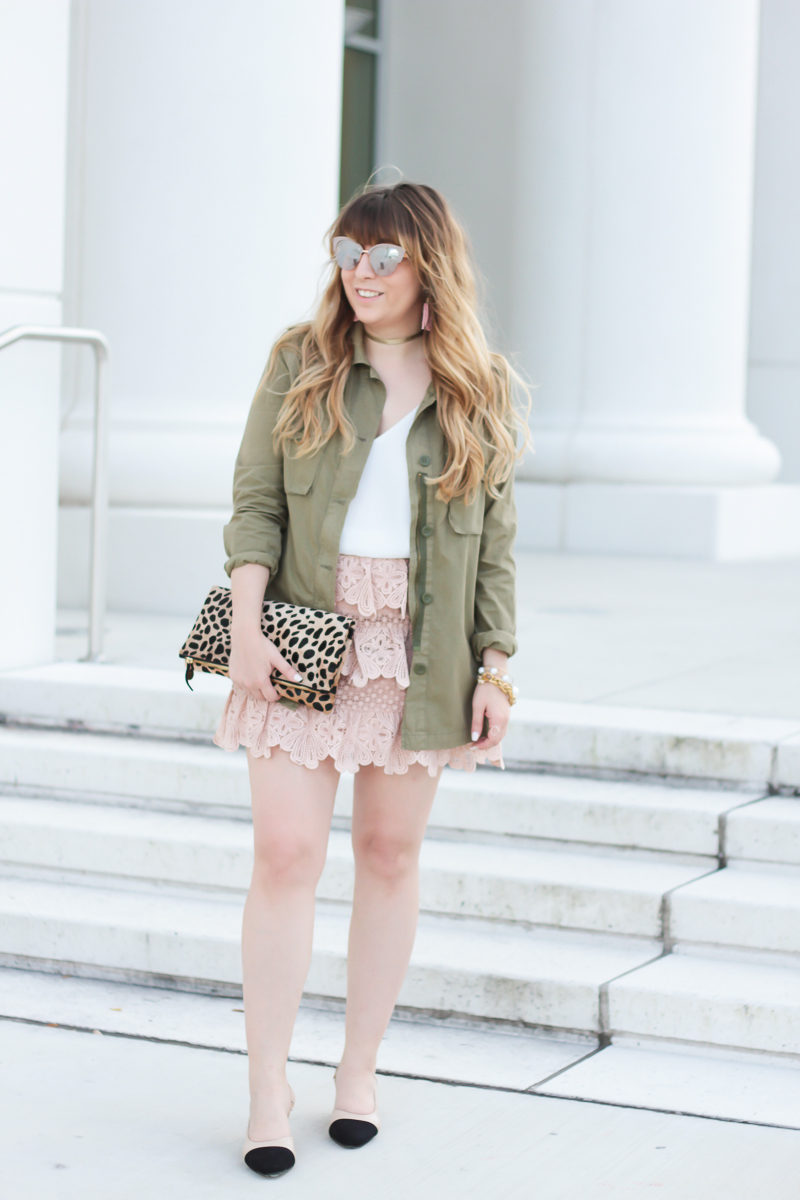 Miami fashion blogger Stephanie Pernas wearing a lace skirt with utility jacket outfit