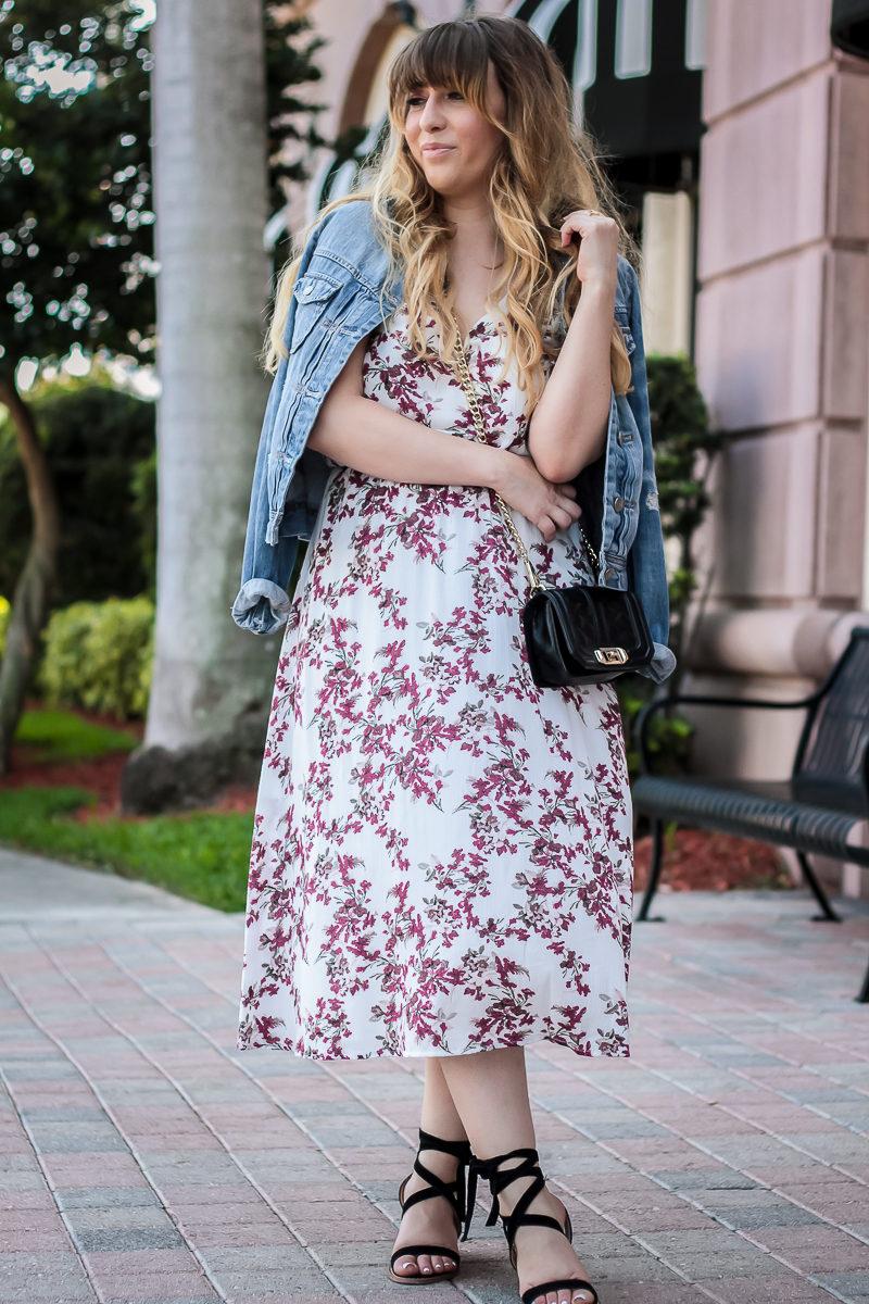 Miami fashion blogger Stephanie Pernas wearing a J.Crew jean jacket and floral midi dress