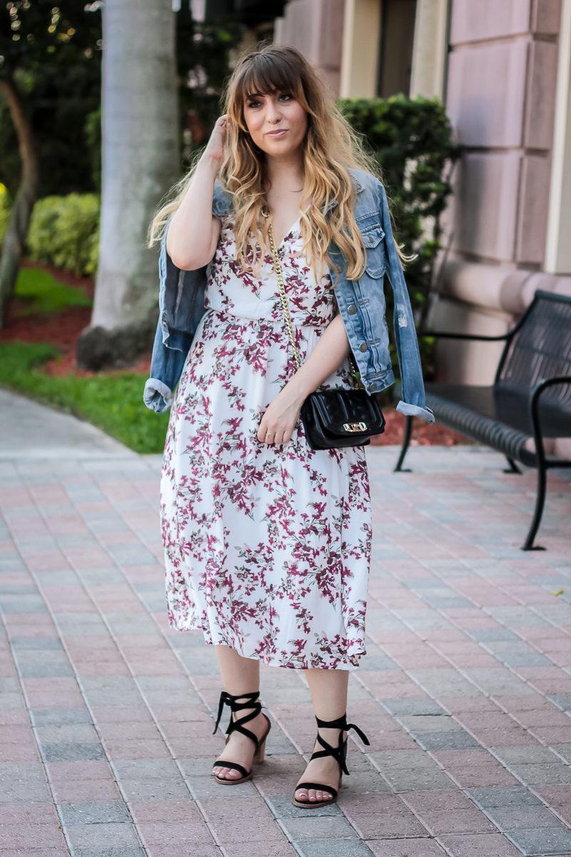 Miami fashion blogger Stephanie Pernas wearing a Nordstrom floral midi dress