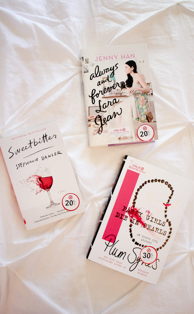 Fashion blogger Stephanie Pernas shares her 2017 summer reading list