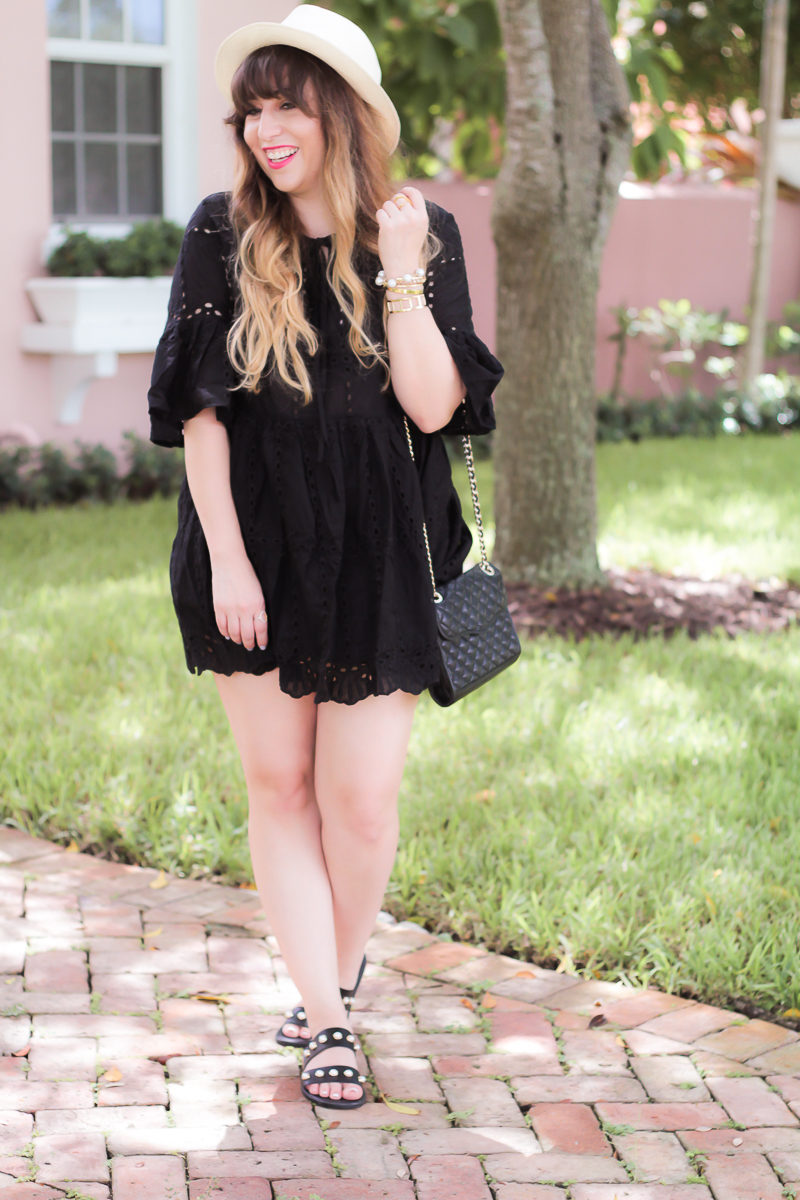 Miami fashion blogger Stephanie Pernas wearing a casual summer dress and sandals