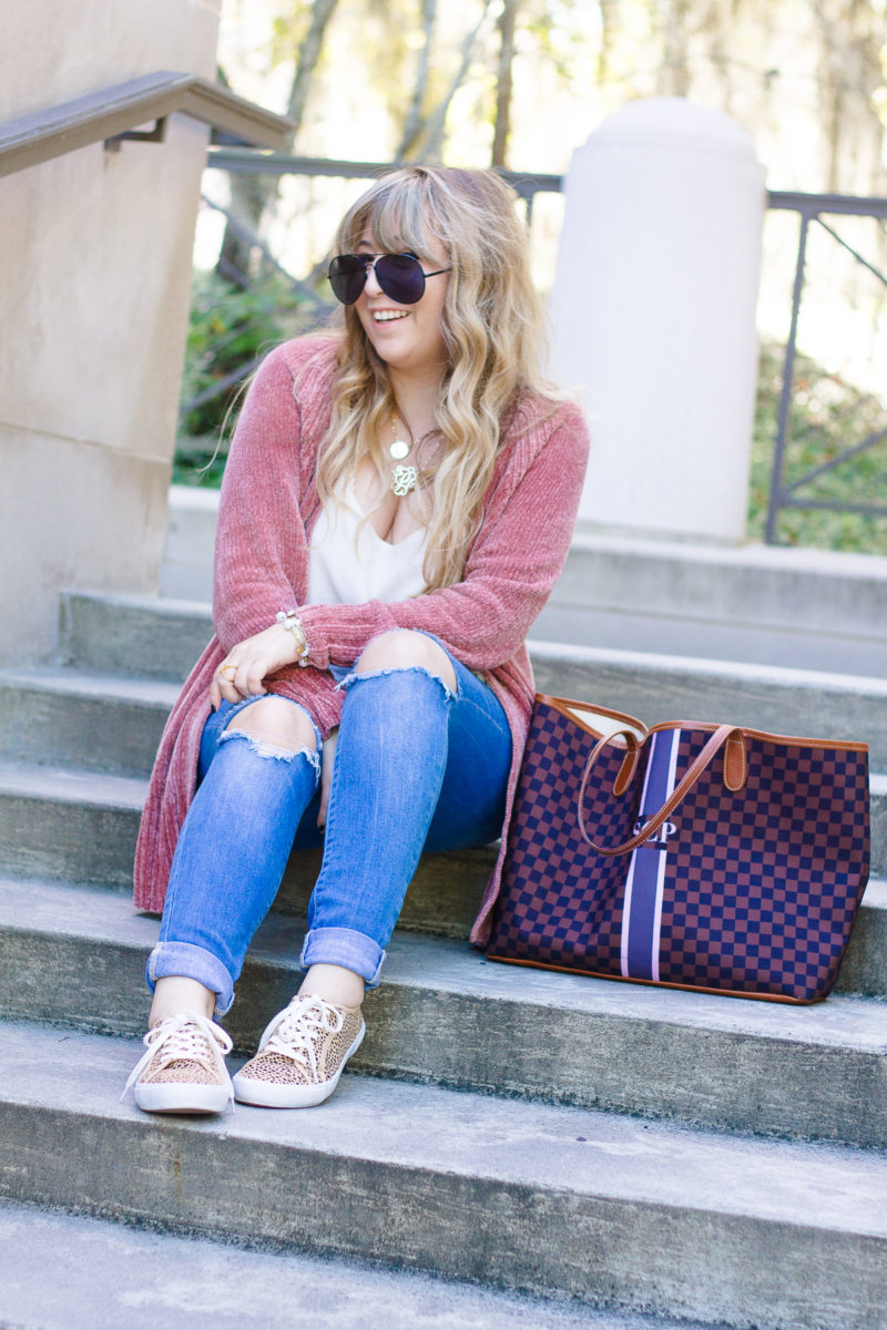 Cozy cardigan outfit idea for fall
