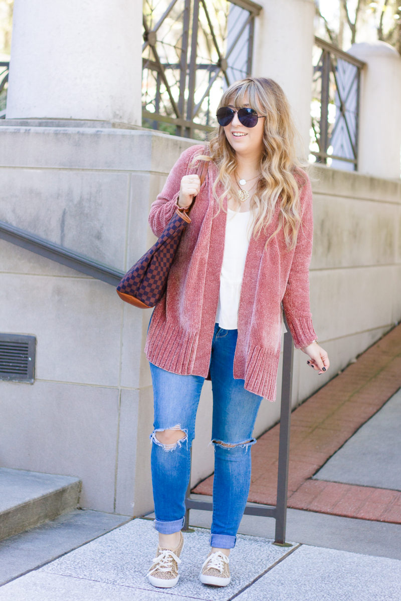 Miami fashion blogger Stephanie Pernas styles a cute casual chenille cardigan outfit for fall