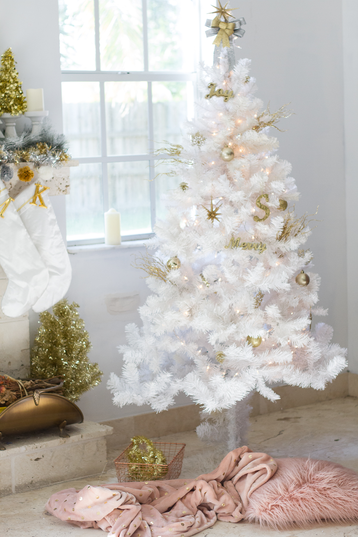 White Christmas tree decor