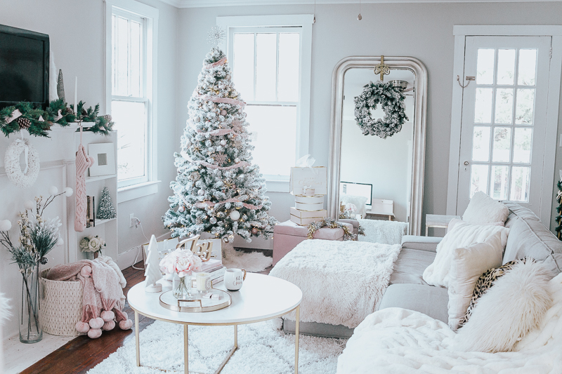 Holiday Home Tour- Glam Holiday Living Room-21