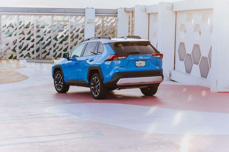 2019-Toyota-RAV4-2