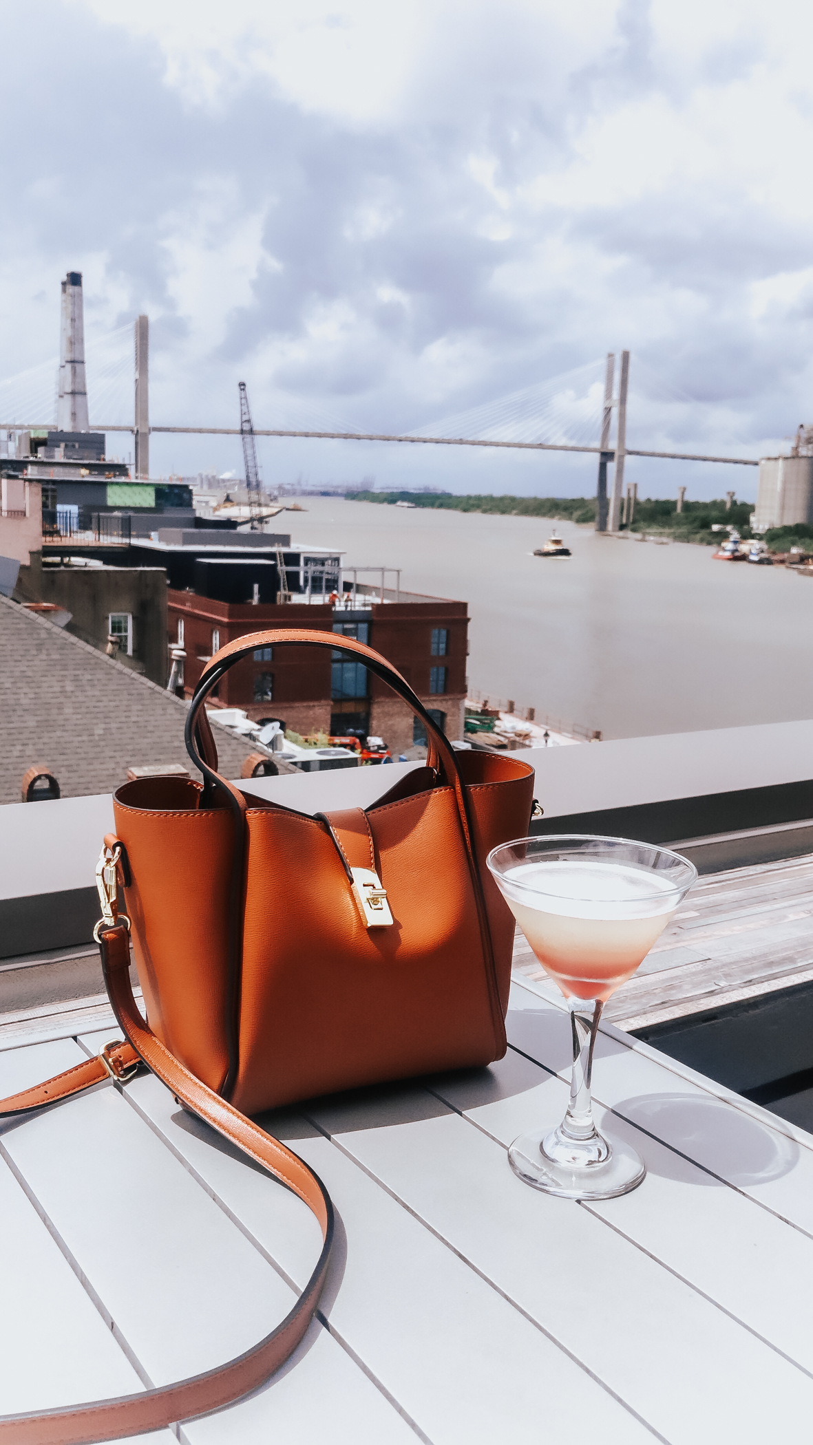 Best-Rooftop-Bars-in-Savannah