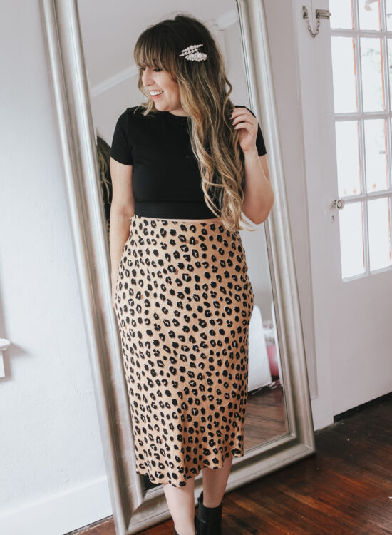 daily outfit ideas: leopard midi skirt and cropped tee