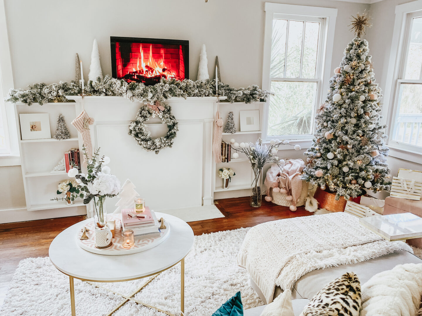 cozy living room holiday decorations