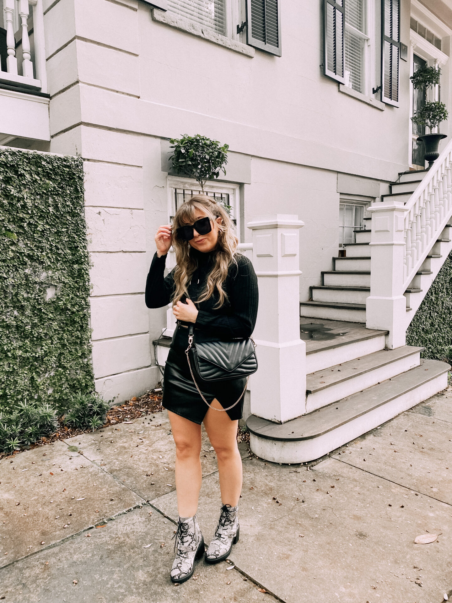 Fall Outfit. – Monochromatic black cropped turtlenecka nd leather skirt 2
